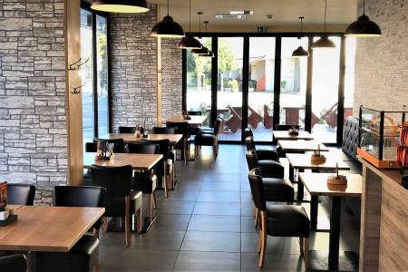 """Fotografija v sklopu """"Stavbe"""" z nazivom """"restaurant_gallery1550491486932"""""""