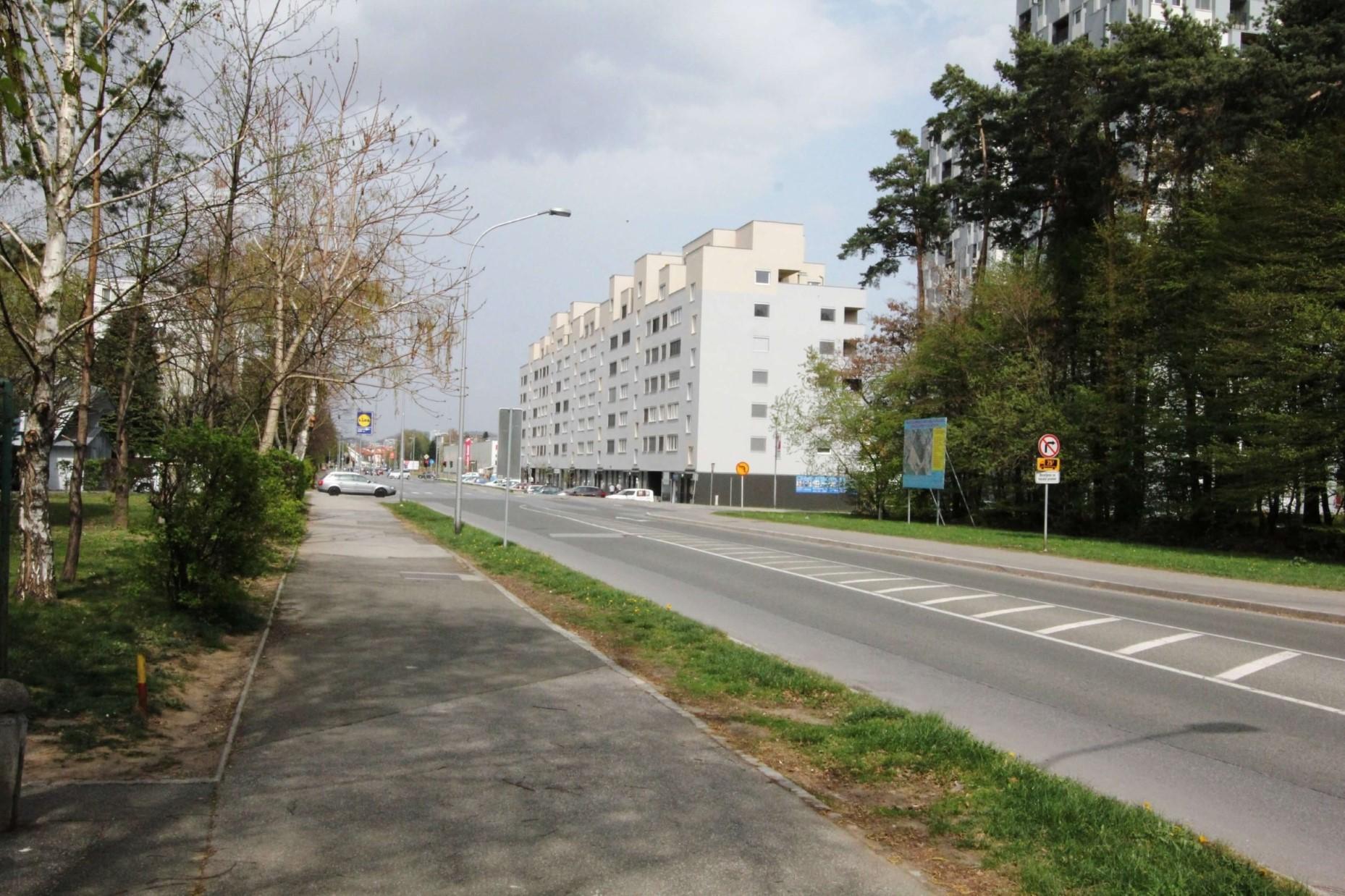 """Fotografija v sklopu """"Stavbe"""" z nazivom """"Gravitas 05_04_2012_0005"""""""